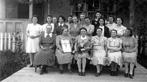 Participants of weaving course