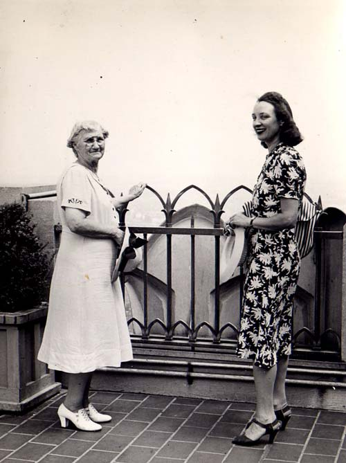 Mrs Wieczorek and her daughter