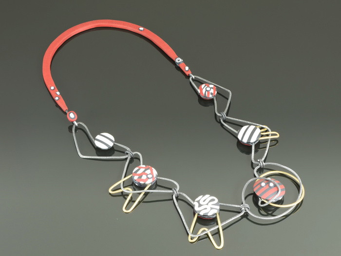 Wire necklace with polymer accents