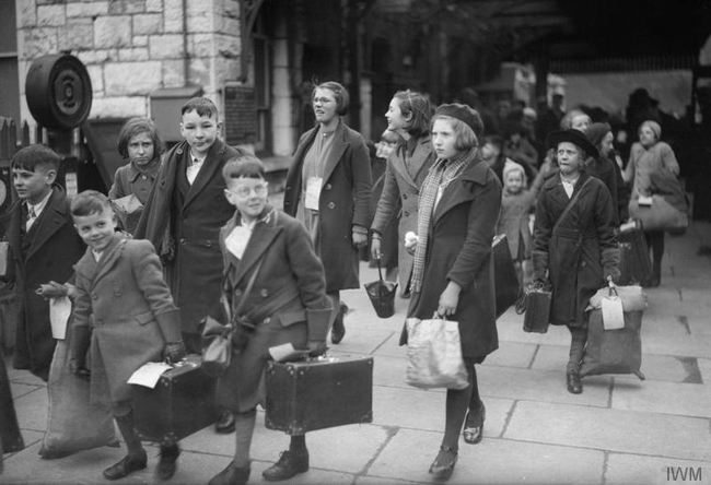 WWII Children being evacuated in UK
