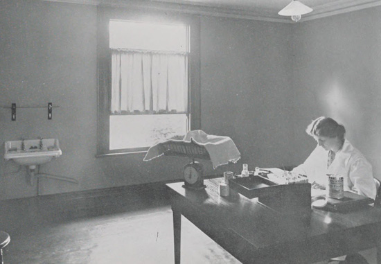 Doctor from Infant Centre Croydon 1914