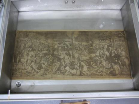 Engraving in a warm water bath