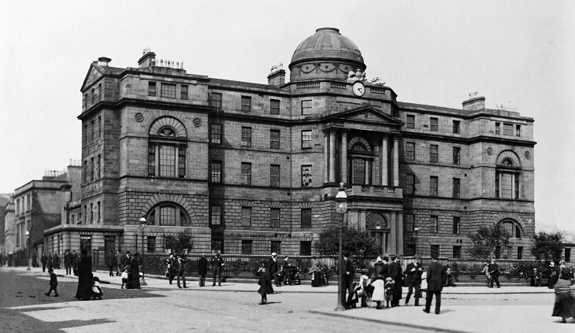 Glasgow Royal Infirmary, 3/4 front. Wellcome Images reference: M0006527