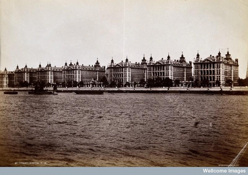 V0030956 Saint Thomas's Hospital, Lambeth: exterior seen from across