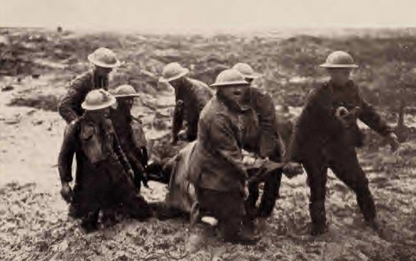 Photograph of stretcher bearers in WWI