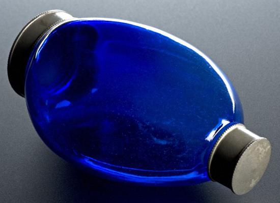Blue glass sputum bottle, England, 1871-1920. WI no. L0058777