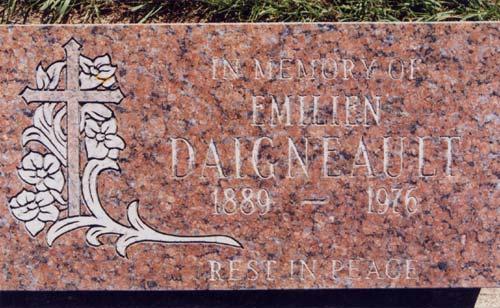 Pierre tombale, Émilien Daignault