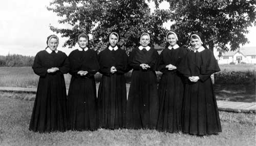 Group of novice nuns, Sisters of Assumption