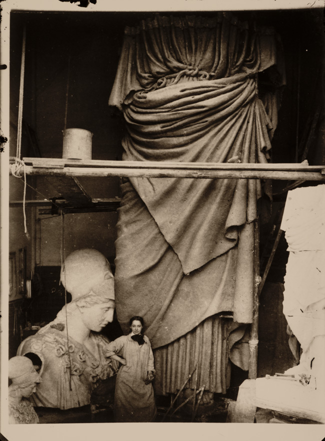 Enid Yandell with Pallas Athena, 1896 / unidentified photographer. Enid Yandell papers, 1878-1982. Archives of American Art, Smithsonian Institution.