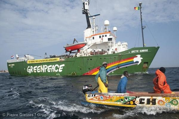 Greenpeace and Senegalese Fishermen Tackle Overfishing