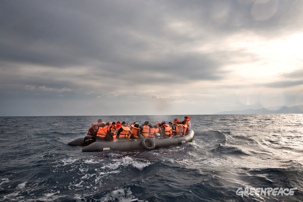 MSF and Greenpeace Rescue Refugees in Aegean Sea  © Alessandro Penso / MSF / Greenpeace