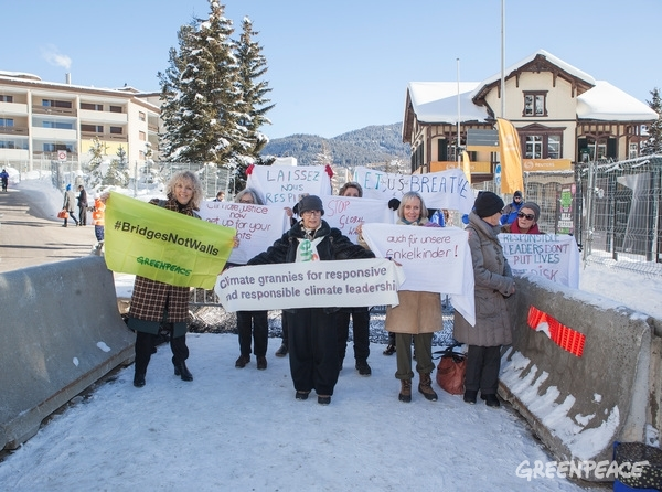 Jennifer Morgan joins the Senior Women for Climate Protection group at the WEF 17 in Davos, 19 Jan 2017. © Greenpeace / Miriam Künzli