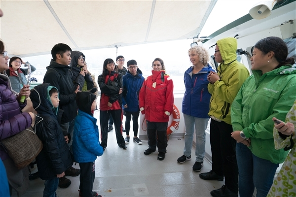 Jennifer Morgan meets Greenpeace supporters in Taiwan