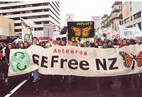 Ge Free New Zealand March Up Queen Street, Auckland  - September 01, 2001