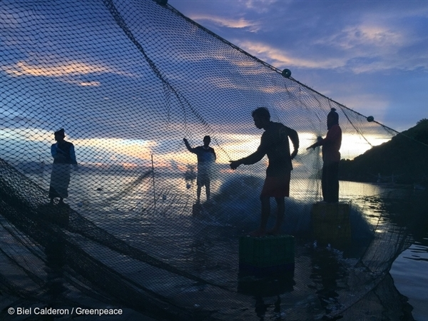 Local fishermen choose sustainable fishing practices in Thailand