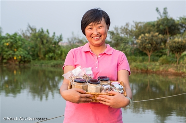 Fed up with food safety problems in China, a mother in Shanghai returns to the farm to help rebuild her trust in the local food system through organic farming