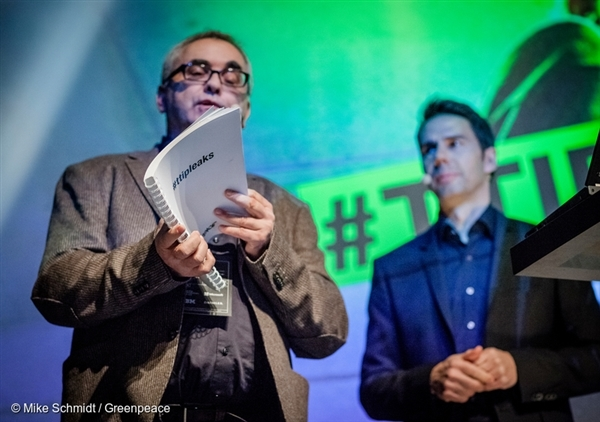 Greenpeace reveals 248 pages of the top secret TTIP documents at the re.publica TEN conference in Berlin.