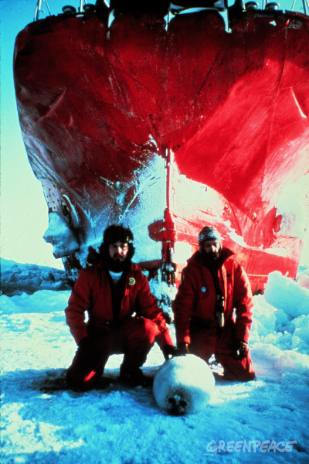 Paul Watson and Bob Hunter (right) block the sealing ship Arctic Endeavour.