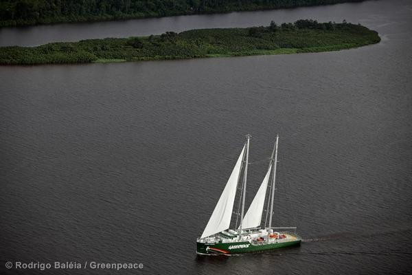 Rainbow Warrior v Amazonii