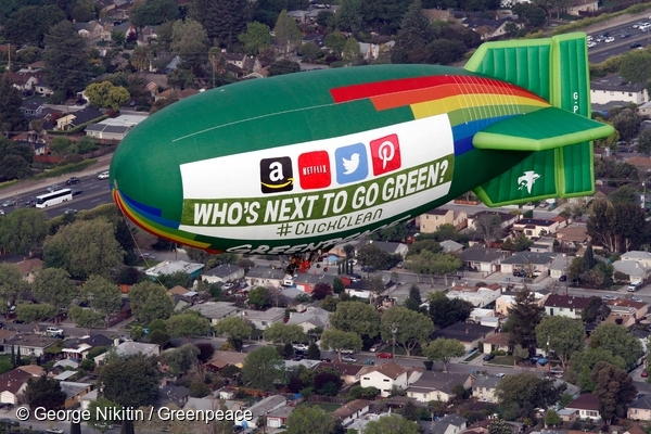 Airship Flight over Facebook in Silicon Valley. Apple, Facebook and Google have committed to powering their data centers with renewable energy, and Greenpeace is challenging other tech companies (Amazon, Twitter, Netflix and Pinterest) to join them. 3 Apr, 2014  © George Nikitin / Greenpeace