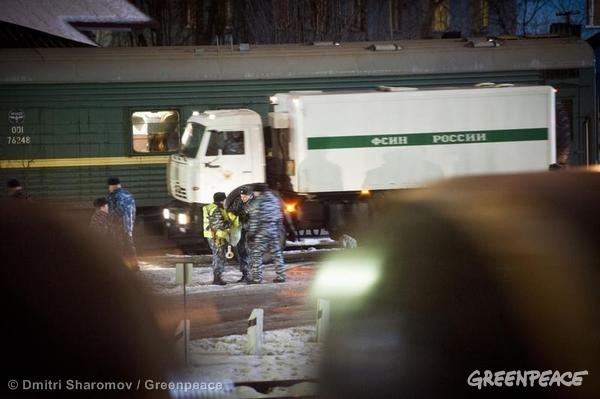Arctic 30 Transported From Murmansk Detention Center. 11/11/2013 © Dmitri Sharomov / Greenpeace