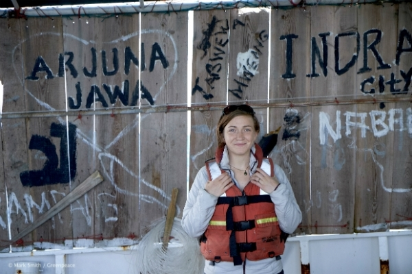 Dawn Bickett on the Rainbow Warrior ship tour. © Mark Smith / Greenpeace