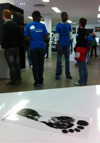 iCloud Action In Apple Store In Johannesburg