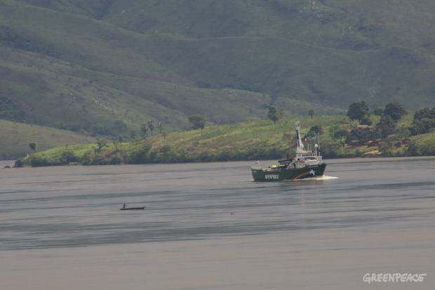 Arctic Sunrise arrives in Matadi