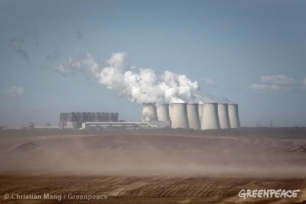Coal Power Plant Jaenschwalde in Germany Open pit mining at Jaenschwalde 05/16/2014 © Christian Mang / Greenpeace