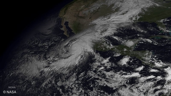 Hurricane Patricia Bears Down on Mexico's Pacific Coast