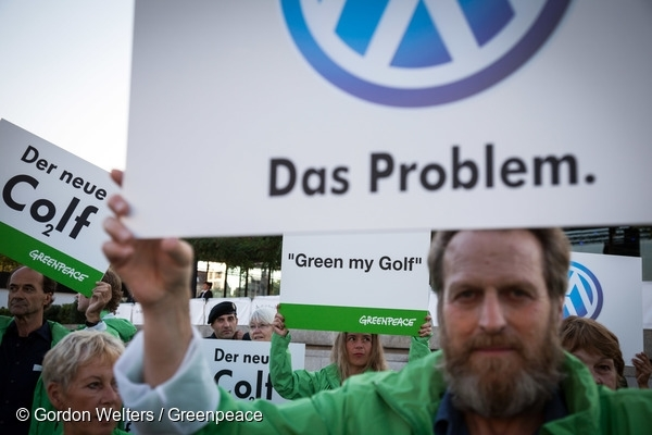 Volkswagen Golf Launch Protest in Berlin. 4 Sep, 2012 © Gordon Welters / Greenpeace