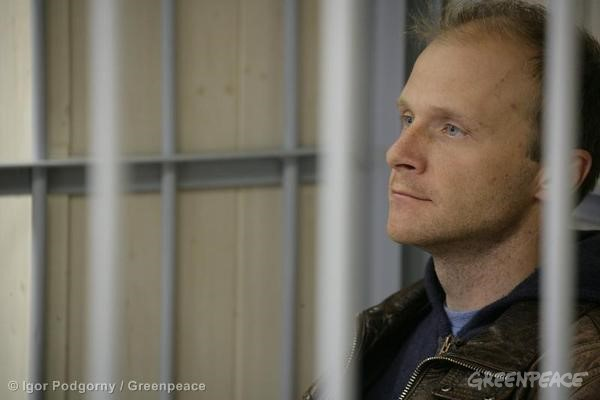 Denis Sinyakov At The Leninsky District Court Of Murmansk. 09/26/2013 © Igor Podgorny / Greenpeace
