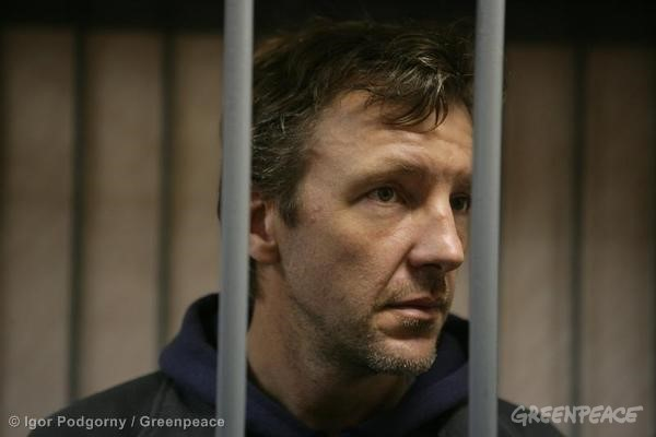 Phillip Ball At The Leninsky District Court Of Murmansk. 09/26/2013 © Igor Podgorny / Greenpeace