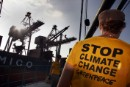 Rainbow Warrior blocks coal shipment in Philippines (updated)