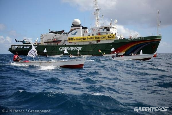 Fisherman's Flotilla Accompanies Esperanza in Mauritius