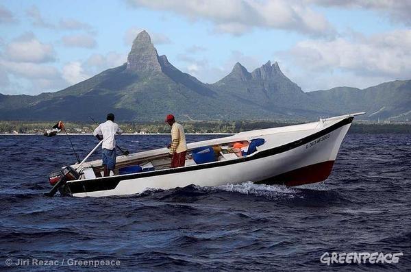 Artisanal fishermen in Mauritius