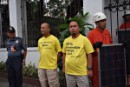 Greenpeace delivers solar panels to Malacañang