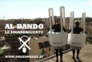 Al bando le incandescenti con gag-video e blitz