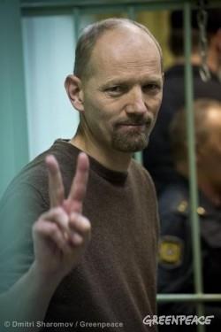 Frank Hewetson Bail Hearing At Murmansk Court. 10/15/2013 © Dmitri Sharomov / Greenpeace