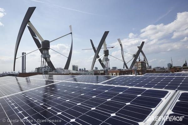 Renewable Energy at Roof of New Greenpeace Germany Office. 07/02/2013 © Goetz Wrage / Greenpeace