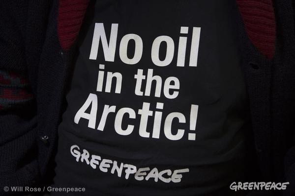 'No Oil in the Arctic!' T-shirt. 08/11/2013 © Will Rose / Greenpeace