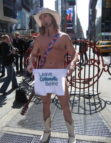 "NYC's famous ""Naked Cowboy"" urges you to ""Be Kind – Leave Cottonelle Behind."""