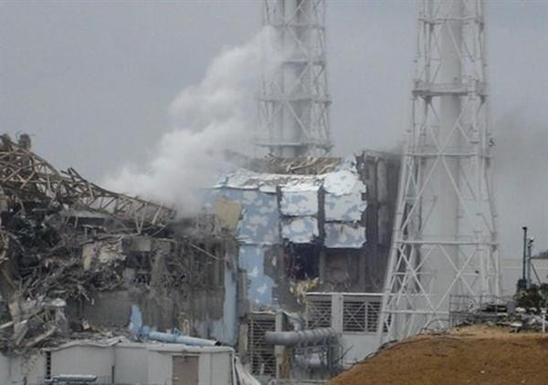Damage at Fukushima Daiichi Nuclear Power Plant reactor no. 4 and no. 3.