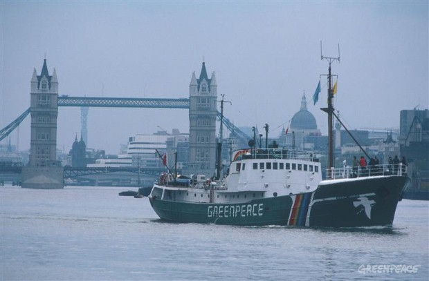 Rainbow Warrior leaving London for Icelandic Whaling tour.