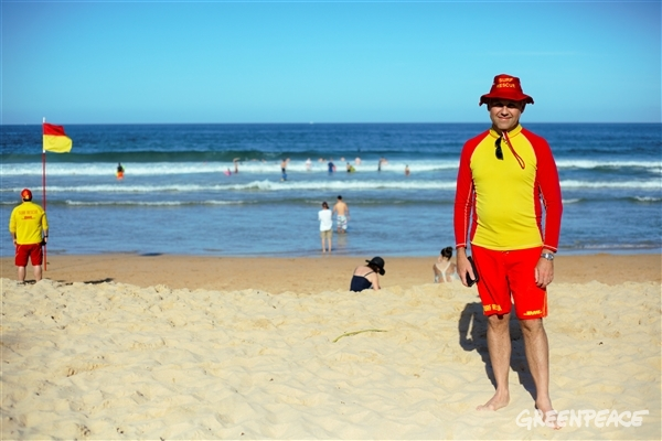 Des, Surf Rescue Team at Manly Beach. © Tom Allen/ Greenpeace