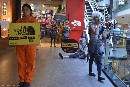 Activistas de Greenpeace reclamaron a The North Face en Buenos Aires