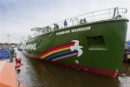 La Rainbow Warrior III entra in acqua