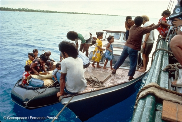 Evacuation of Rongelap Islanders to Mejato by the Rainbow Warrior crew in the Pacific in 1985.