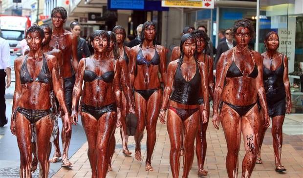 'Oil-smeared' people walked through Wellington