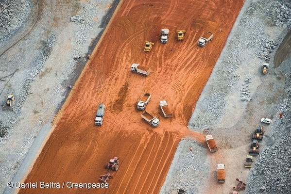 Aerial view of the Belo Monte Dam construction site. 18 Sep, 2013  © Daniel Beltrá / Greenpeace
